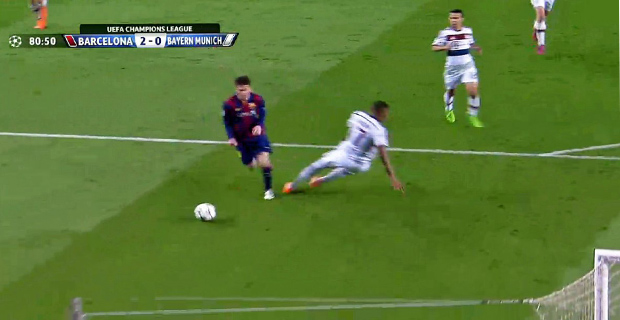 Boateng Berhasil dikecoh Oleh Lionel Messi